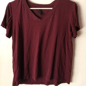 maroon t-shirt from tilly's